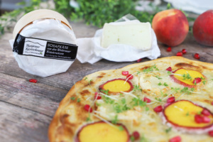 Flammkuchen mit Pfirsich
