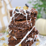 Halloween Karamell Brownies mit Marshmallows Spinnennetz