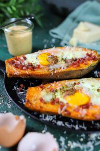 Süßkartoffeln mit Ei & Bacon