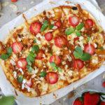 Süßer Flammkuchen mit Erdbeeren & Karamell -Sommerlich leicht