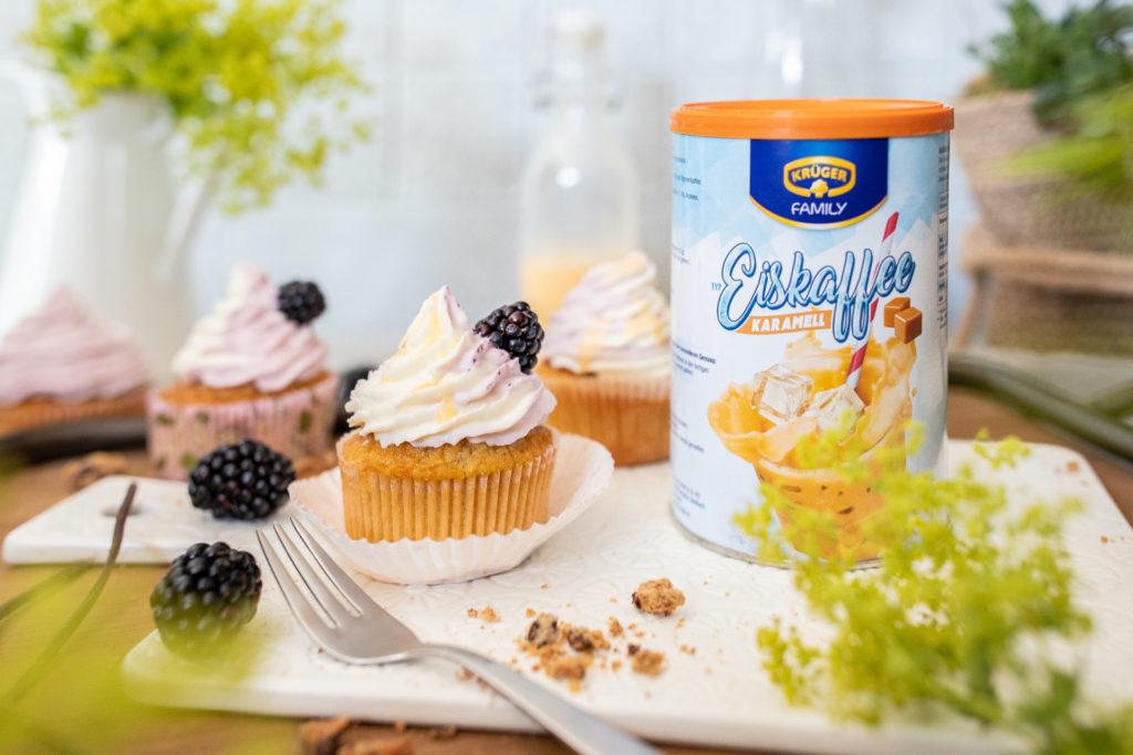 Muffins Cupcakes Brombeeren Eierlikör